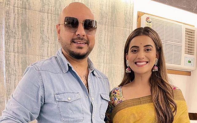 B Praak To Now Collaborate With Bhojpuri Actress - Singer Akshara Singh!