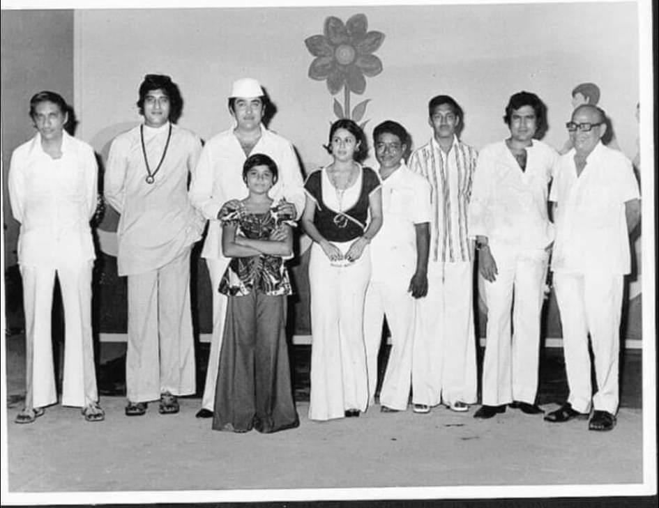 bhavna bhatt with vinod khanna randhir kapoor rajesh khanna